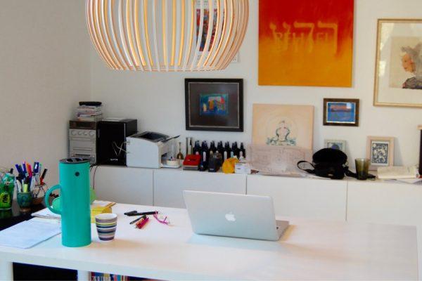 Schreibtisch im Atelier